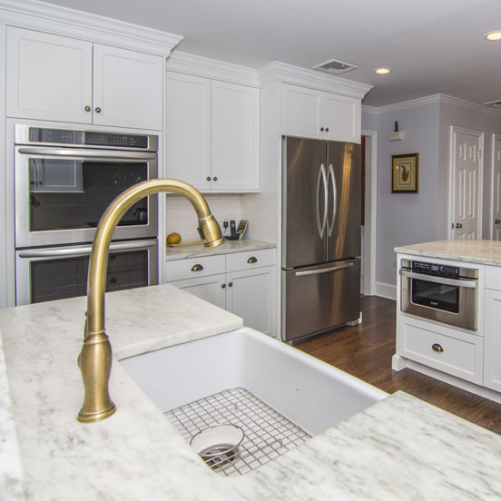 1a-traditional-kitchen-cabinets-alpine-white