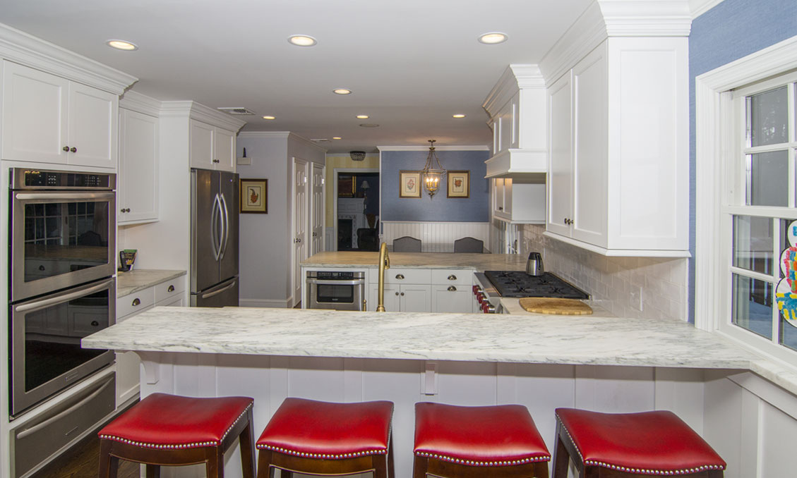2-traditional-kitchen-cabinets-alpine-white