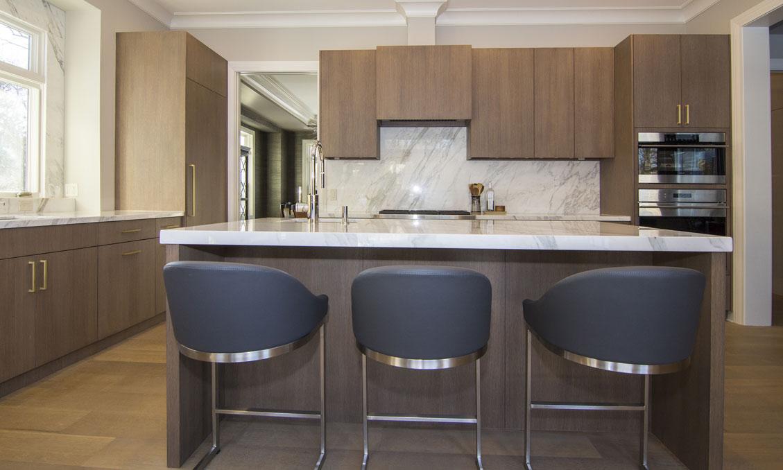 4-kitchen-cabinets-modern-oak-gray-pantry