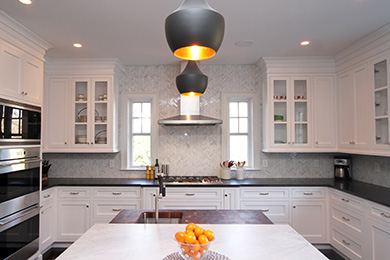 feature-transitional-cabinets-kitchen-black-white